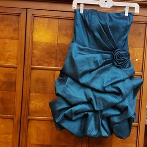Teeze Me cocktail Dress Green Dress Size 5